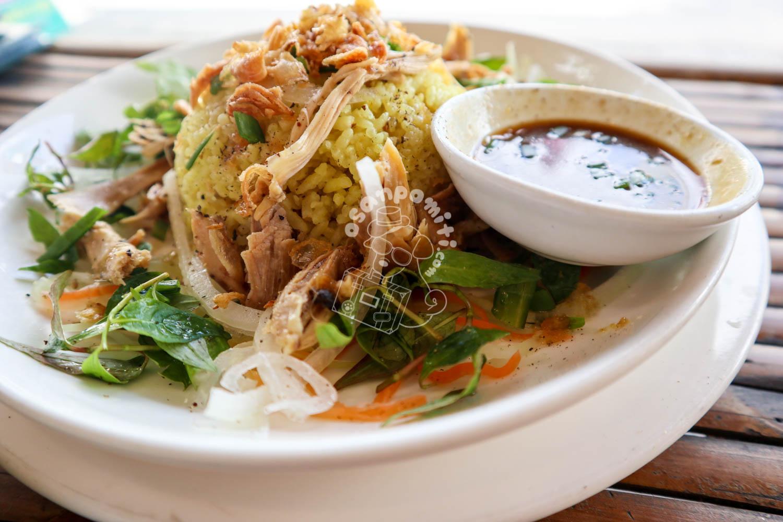 ホイアンチキンライス/Restaurant & Cafe Tuấn