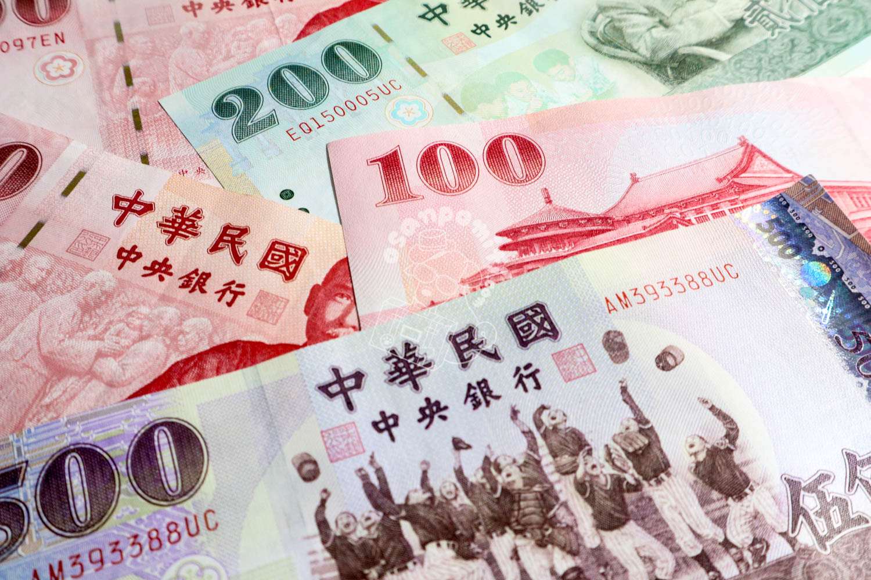 で 円 日本 ウォン いくら 10 は 万