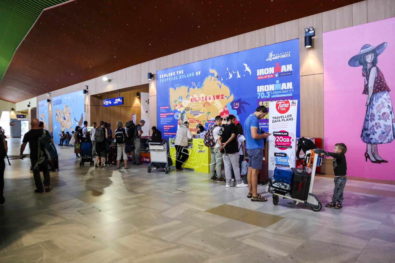 SIMカード販売/ランカウイ国際空港