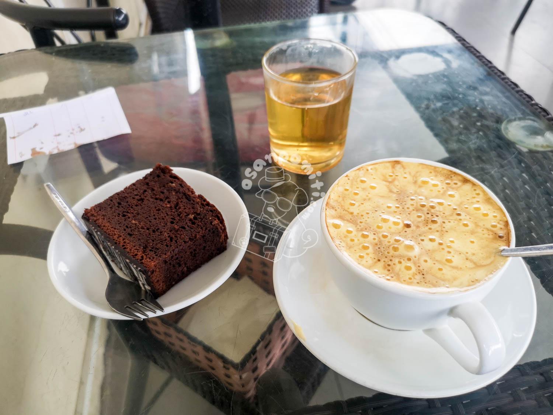 エッグコーヒー/カフェ フォーコー