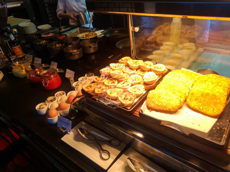 朝食/インターコンチネンタル ダナン サンペニンシュラ リゾート