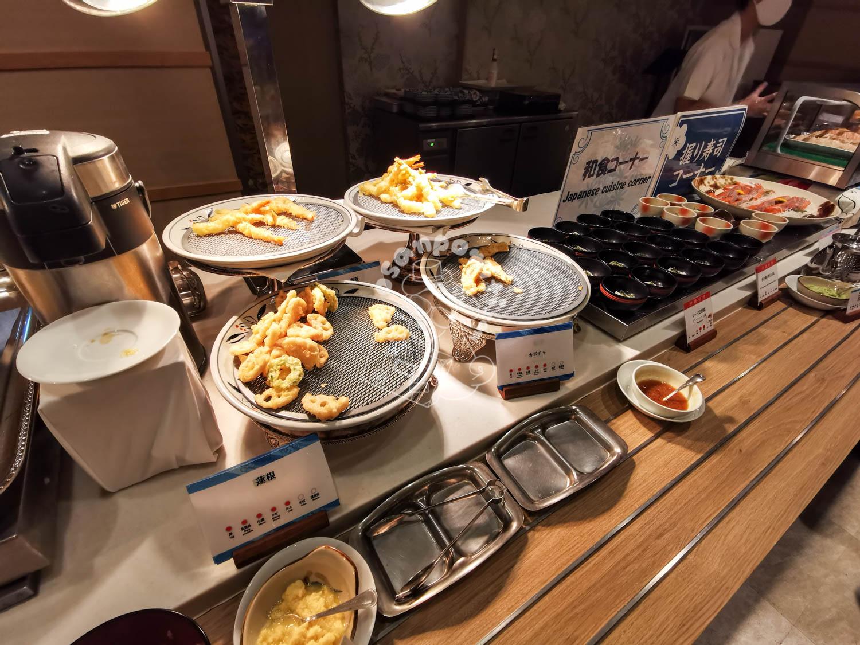 夕食/リザンシーパークホテル谷茶ベイ
